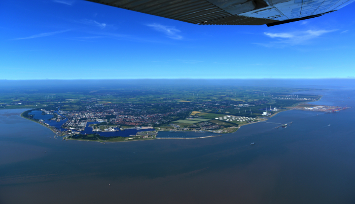 https://www.seaports.de/content/uploads/wilhelmshaven_teaser_viertel.jpg